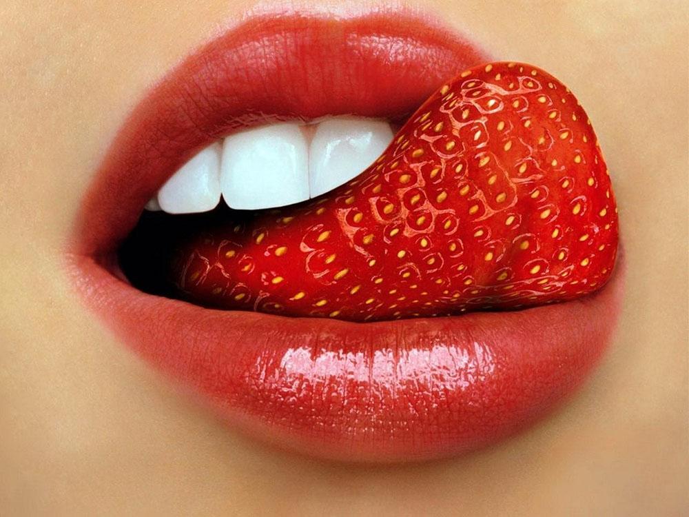 белый язык и запах изо рта причины