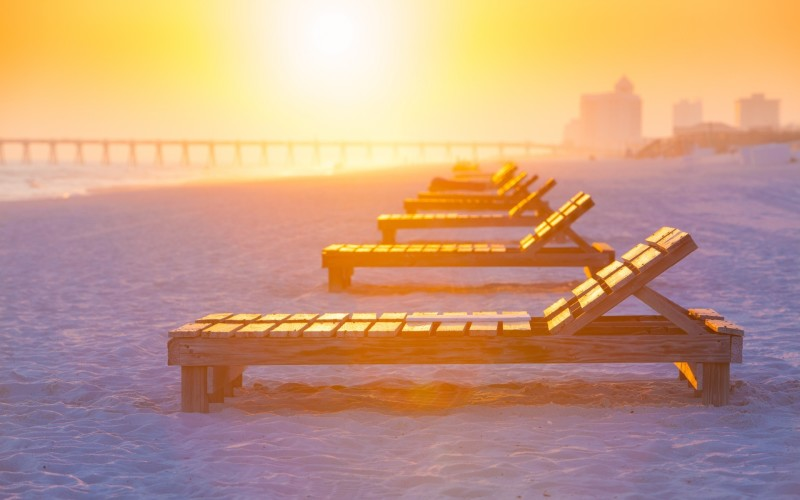 beach-sunset-chairs-1920x1200-800x500